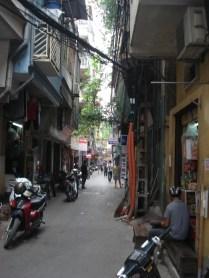 Essa era a rua do nosso segundo hotel. Mais tranquila que a rua do primeiro. Imagine só.