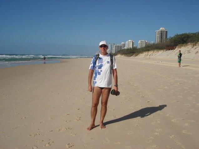 Surfers Paradise. Praia sem fim e com muito vento.