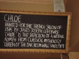 Dentro do pub Young and Jacksons tem a pintura de uma francesa nua que é patrimônio nacional