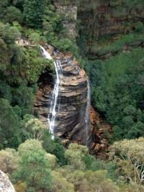 Foi um deslizamento enorme que criou a cachoeira