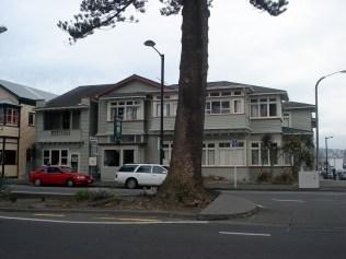 Nosso hostel YHA em Napier. Muito bonito. Prédio de 1920 que aguentou o terremoto em pé.