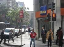Somos imperialistas, existe um desse em cada esquina de Santiago e em outras cidades