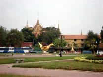 Outra vista do Palácio Real que é aberto ao público quando o rei não está