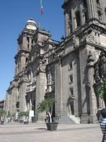 A Catedral Metropolitana da Cidade do México é uma das mais antigas catedrais católicas romanas do continente americano.