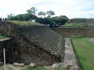 Essas quadras de jogo de bola vimos em todos os sítios arqueológicos