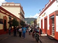 Assim são as ruas dessa pequena cidade do estado de Chiapas