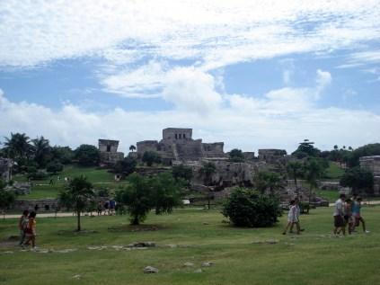 Outra vista do El Castillo com o Templo dos Afrescos que era usado como observatório