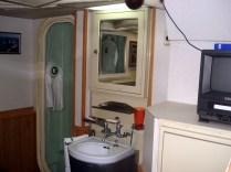 Com banheiro individual
