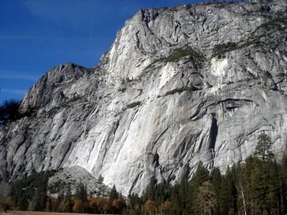 A imensidão dos blocos de granito