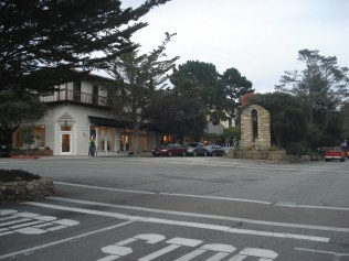 Cidade pequena típica americana: bonita e bem cuidada