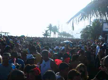 Crowds around Ipanema beach