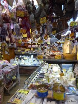 A walk through one of Bologna's markets