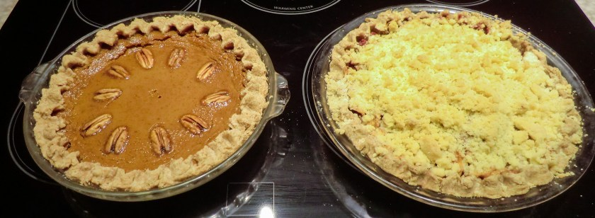 a pumpkin pie and an apple pie