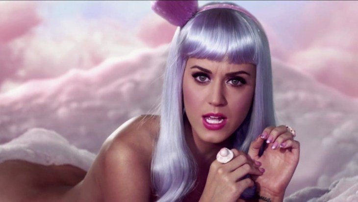 California-Gurls-Music-Video-Katy-Perry-Screencaps-katy-perry-19335083-1248-704.jpg