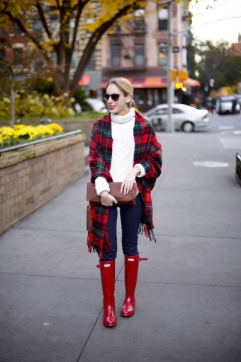 red-hunter-boots-plaid-scarf_2