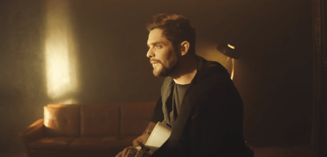 PLOT TWIST: Thomas Rhett's 'Marry Me' Song is Actually Sad