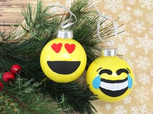 emoji-ornament