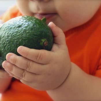 How to Encourage Healthy Toddler Eating Habits: 5 Simple Tips