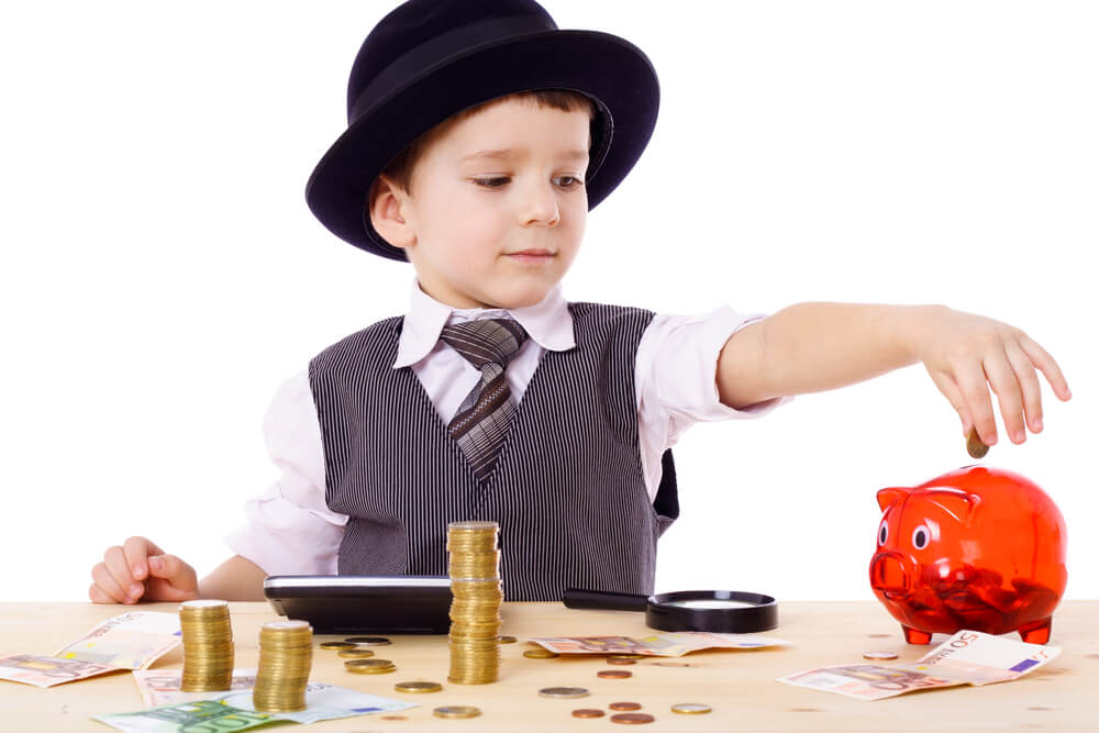 6 Easy Steps to Teaching Young Children about Money