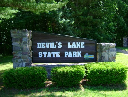 Devil's Lake State Park sign