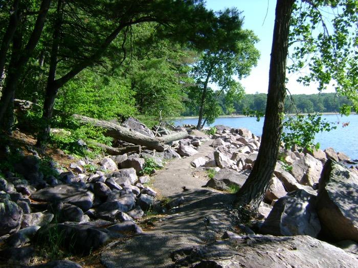 Tumbled Rocks Trail in Devil's Lake State Park