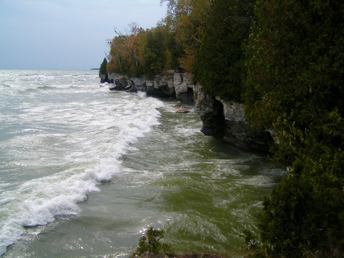 Shoreline of Cave Point County Park
