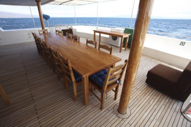 Fancy a meal out on the deck?