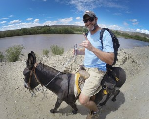 Just crossed the Rio Grande by rowboat and are saddled up for the ride into Boquillas, Mexico! And lookin' mighty sharp. LOL #poordonkey
