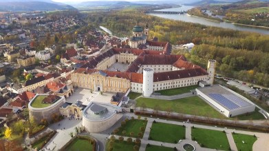 After Durnstein we stopped off at the spectacular Melk Abbey, which was founded almost a thousand years ago! Gorgeous.