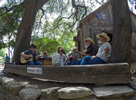 Good times and great music under the shade trees out back. Afternoon picker circle!