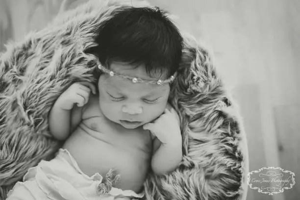 specialist newborn photographer South Wales