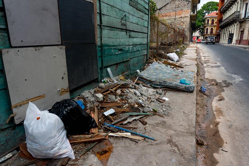 trash in panama city