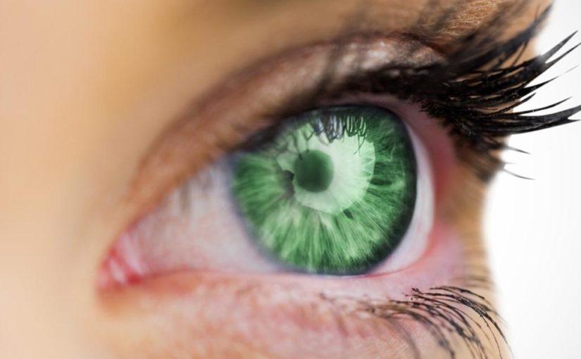 Najrzadziej spotykane kolory oczu – zielony i fioletowy