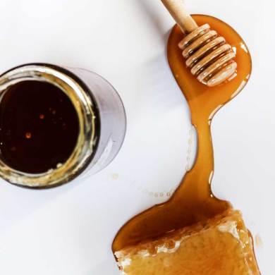 Dlaczego warto spożywać miód? Dlatego, że wzmacnia naszą odporność