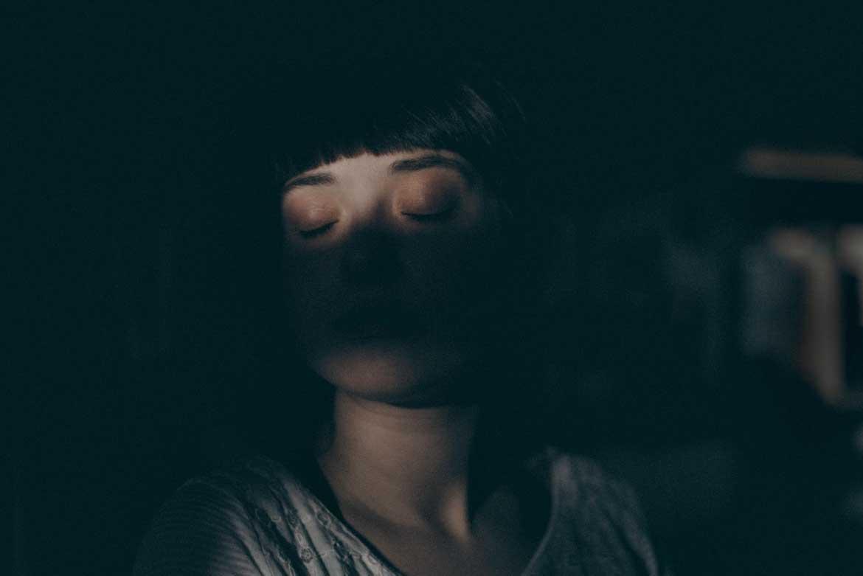 Kolacja w ciemności może być oryginalnym pomysłem na prezent dla bliskiej osoby