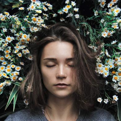 Brak snu może powodować wiele negatywnych skutków.