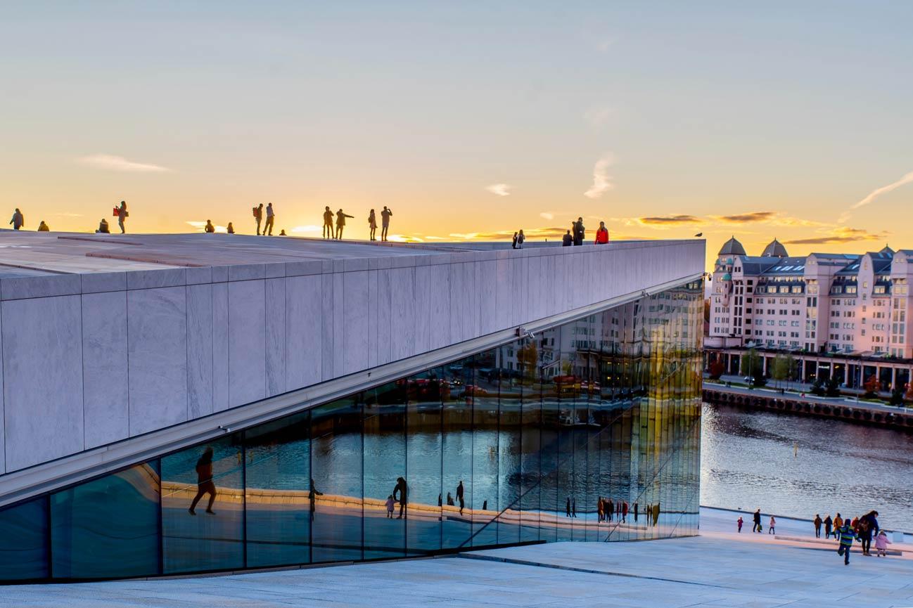 Co warto zobaczyć w Oslo? Chociażby Operę.