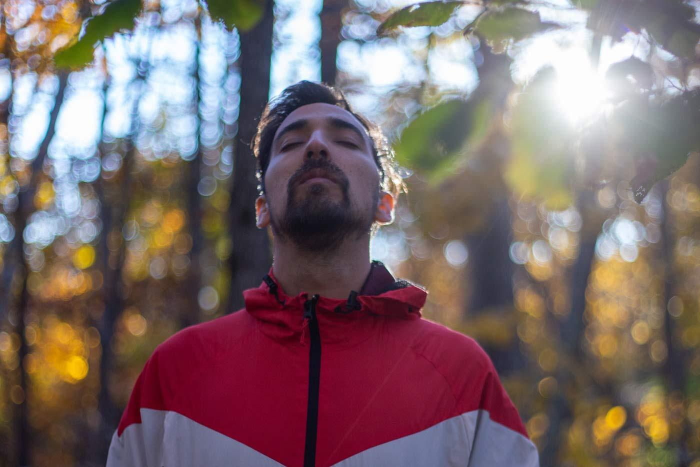 Sprawdzone sposoby na stres to umiejętność odpowiedniego oddychania.