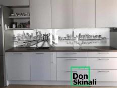 Czarno-biała grafika miasta na szkle