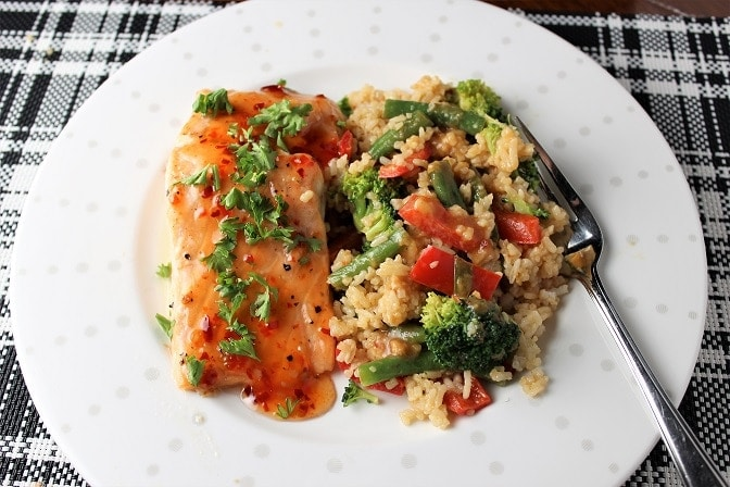 Vegetable Rice with spicy peanut sauce