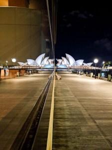 Opera w Sydney nocą