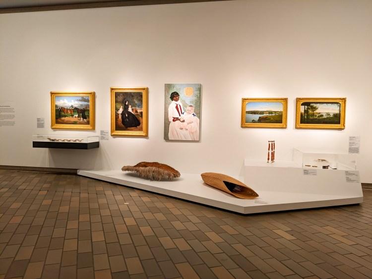eksponaty w galerii