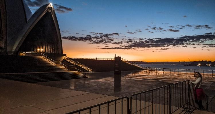 wschód słońca na Operą