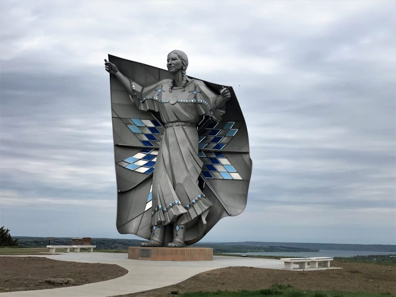 Photo of 50 foot sculpture, Dignity