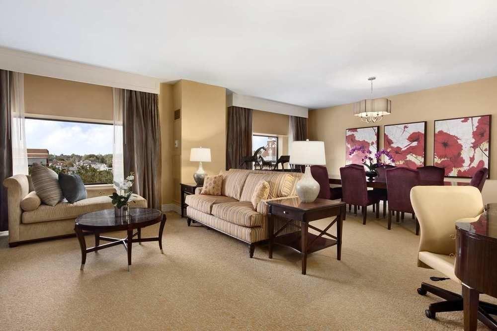 Ultimate List Of Backpacker Hotels Lexington Hilton Lexington Downtown
