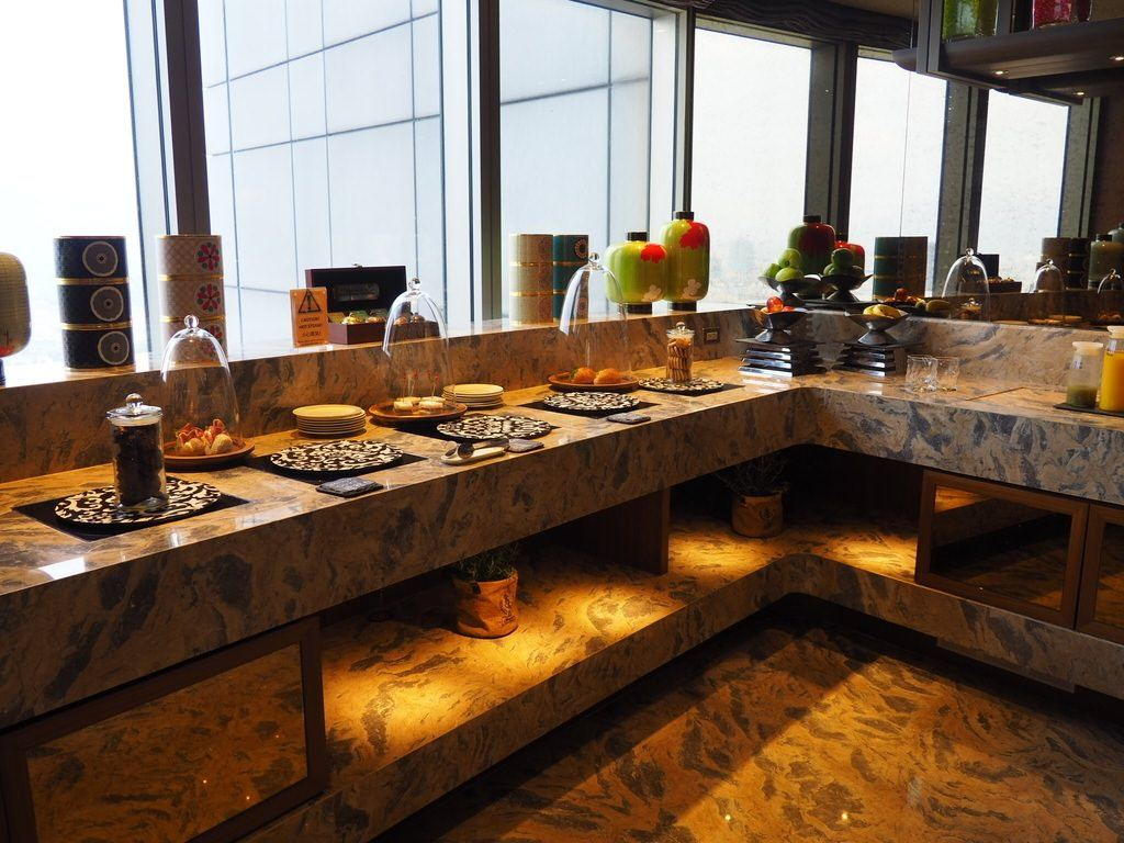 Height Of Sophistication At Shangri Las Far Eastern Plaza