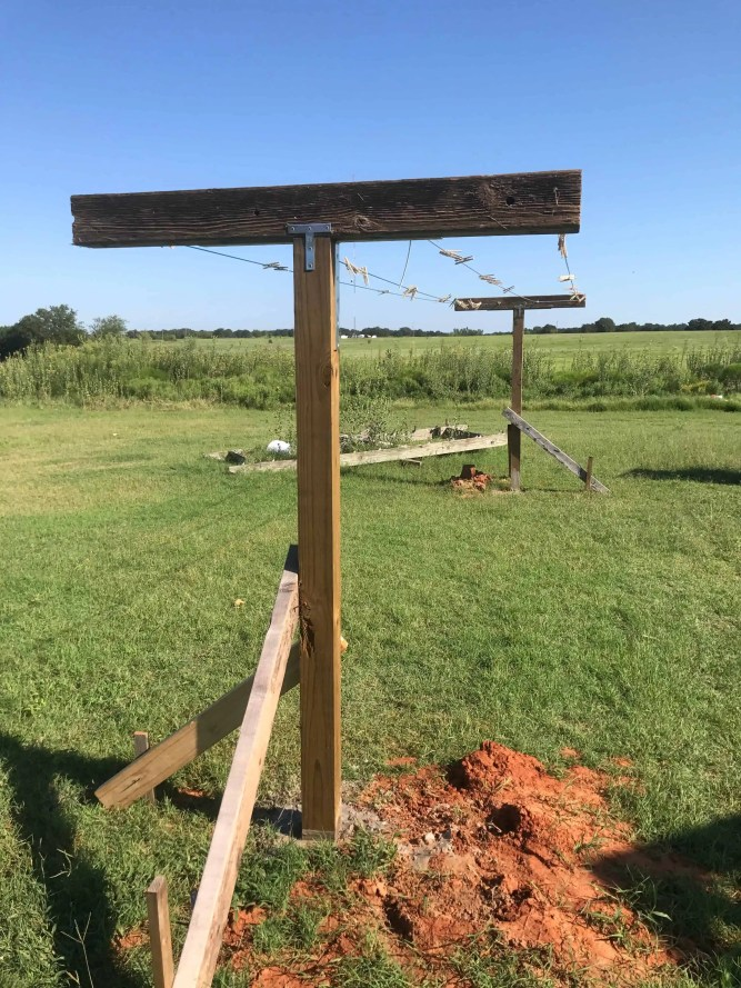 build a clothesline, two oaks farmstead