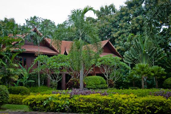 Fueng Fah Riverside Garden Resort: Chiang Mai, Thailand | twoOregonians