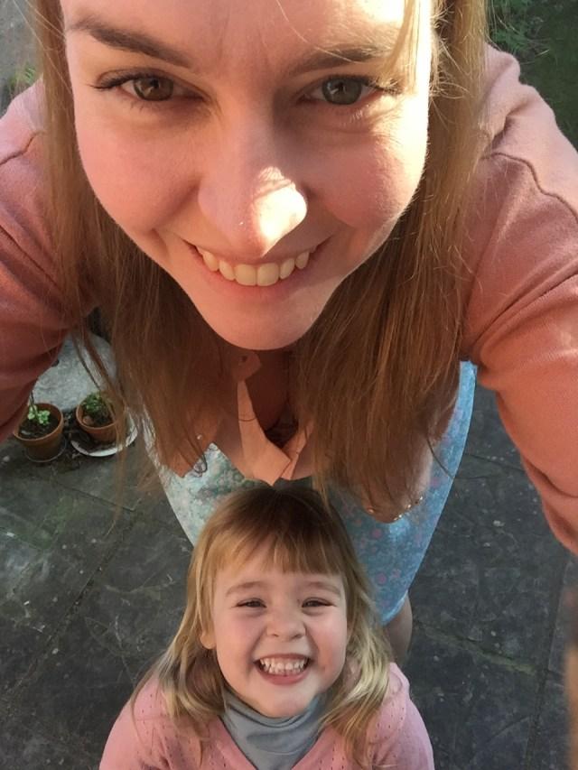 wij-twee Twinning met een Rachel rok: een lente-naaiprojectje