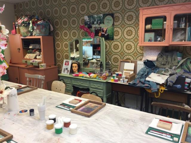 tafel-bobbinhood-bij-Crealief Workshop zeefdrukken op stof met Bobbinhood